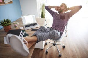 Prüfungszeit: Entspannung am Schreibtisch