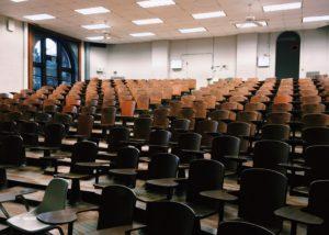 Urteil: Pauschale Anwesenheitspflicht im Studium unzulässig
